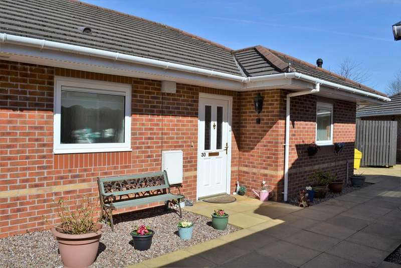 2 Bedrooms Semi Detached Bungalow for sale in Stratton Drive, Reeve Court Retirement Village