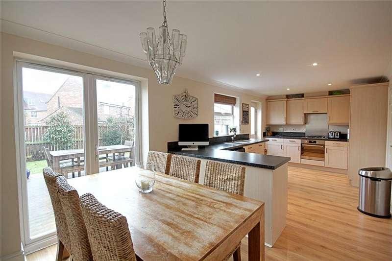 3 Bedrooms Semi Detached House for sale in Condercum Green, Ingleby Barwick