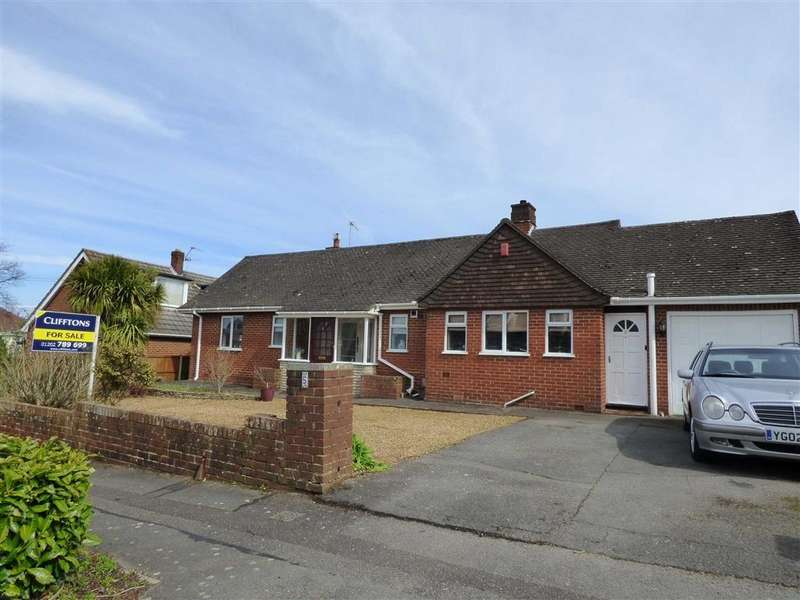 3 Bedrooms Bungalow for sale in Ferncroft Road, Northbourne, Bournemouth, Dorset, BH10