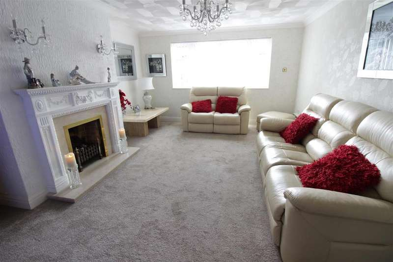 4 Bedrooms Detached House for sale in Spencer Road