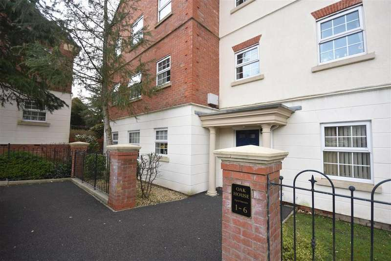 2 Bedrooms Apartment Flat for sale in Denham Wood Close, Chorley