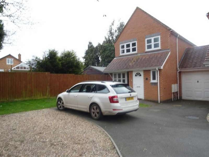 3 Bedrooms Detached House for rent in The Paddock, Hinckley
