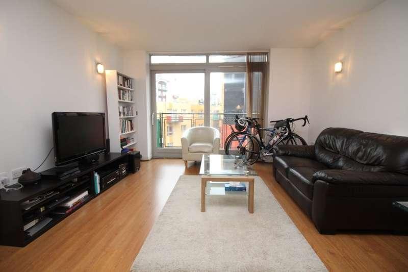 1 Bedroom Flat for sale in West Parkside, London, SE10