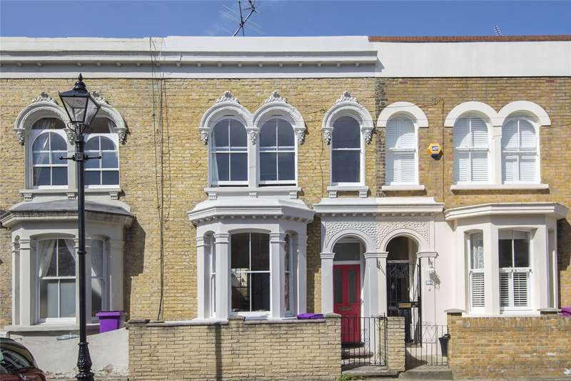 3 Bedrooms House for sale in Strahan Road, Bow, London, E3