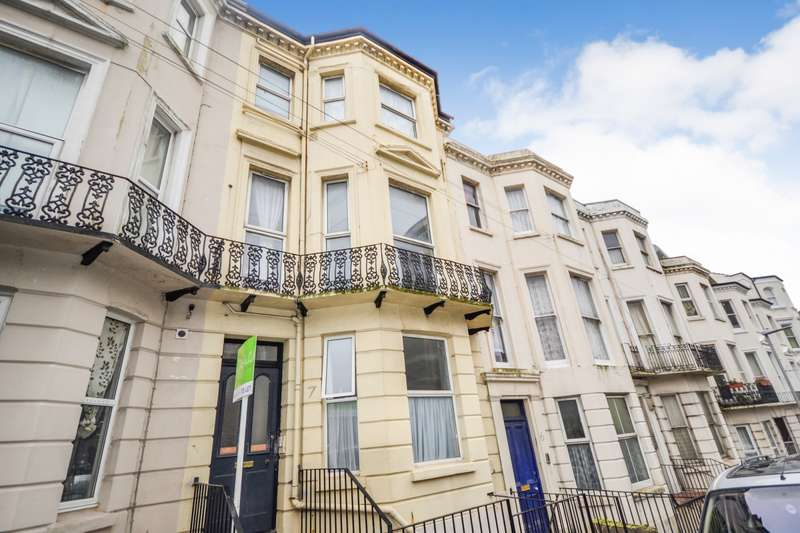 3 Bedrooms Flat for rent in St Margarets Road, St Leonards On Sea, TN37