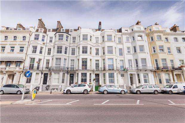 2 Bedrooms Flat for sale in Marina, ST LEONARDS-ON-SEA, East Sussex, TN38 0BL