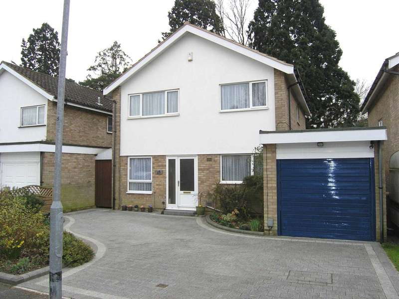4 Bedrooms Detached House for sale in Hangar Ruding, Carpenders Park