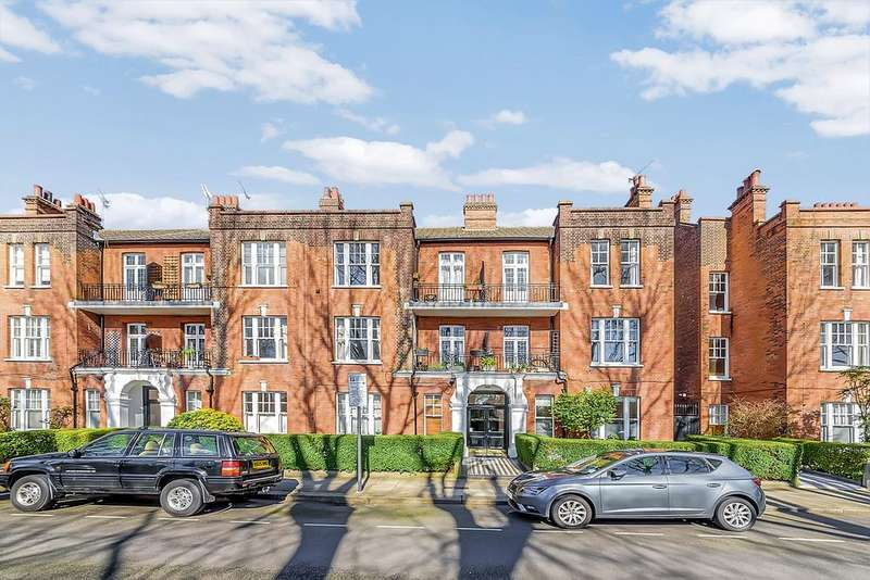 3 Bedrooms Flat for sale in Bishops Park Road, London SW6