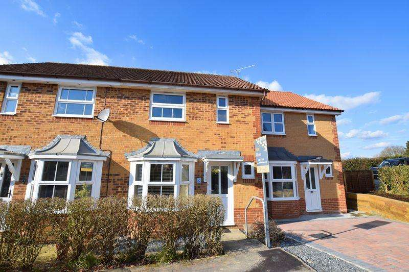 2 Bedrooms Terraced House for sale in New Barn Lane, Uckfield, TN22