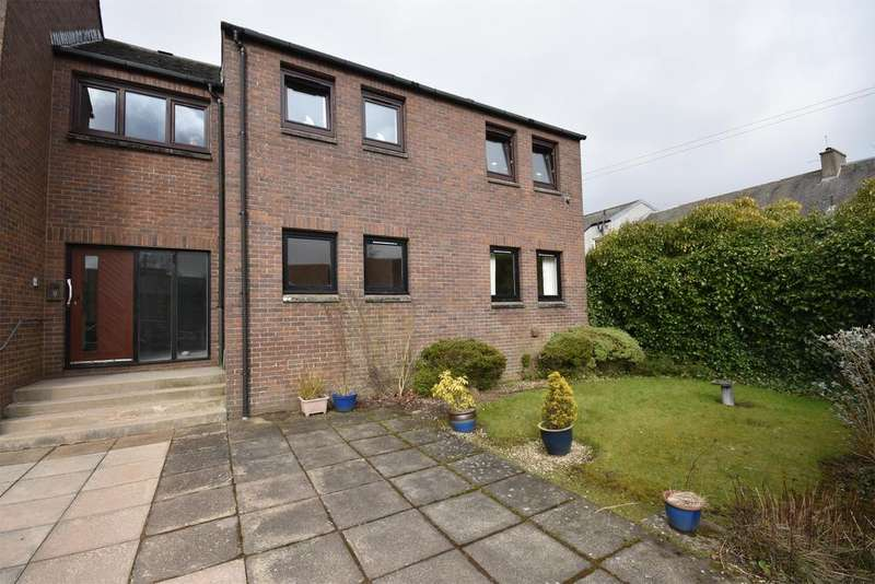 1 Bedroom Ground Flat for sale in 4 Dovecot Lane, LANARK, ML11 7PX
