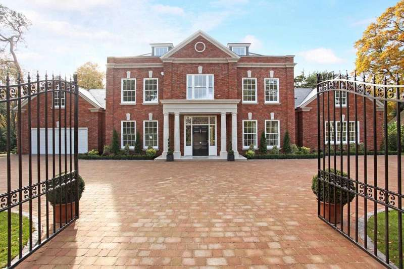 6 Bedrooms Detached House for sale in Oakwood Road, Virginia Water, Surrey, GU25