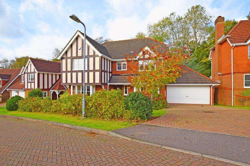 5 Bedrooms Detached House for sale in Littlewood Lane, Buxted, TN22