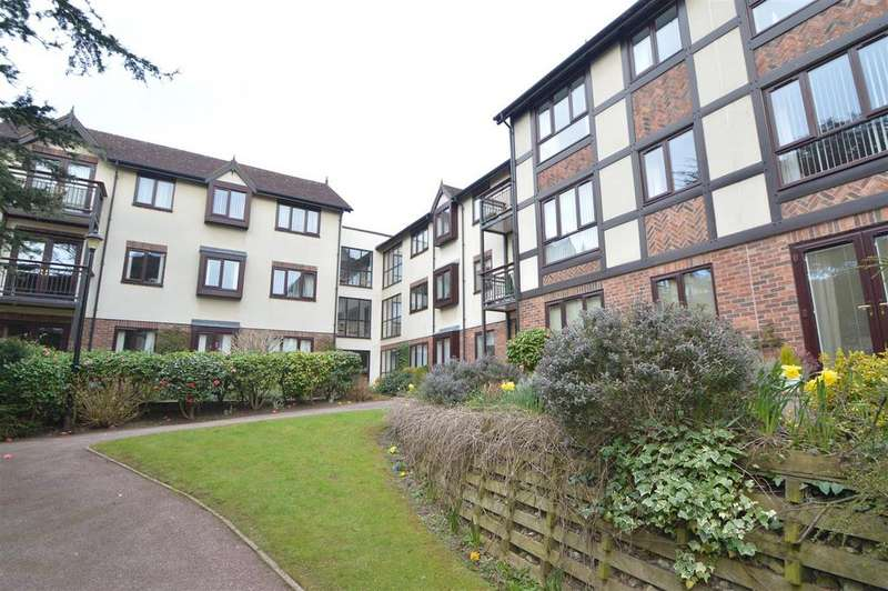 2 Bedrooms Flat for sale in Apartment 112, The Cedars, Abbey Foregate, Shrewsbury SY2 6BY
