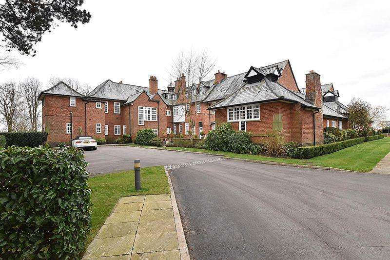 1 Bedroom Duplex Flat for sale in Highgrove, Ancoats Lane, Nr Alderley Edge