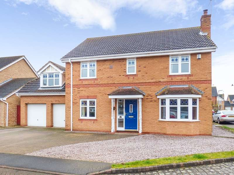5 Bedrooms Detached House for sale in Stephenson Close, Yaxley, Peterborough, PE7 3ZP