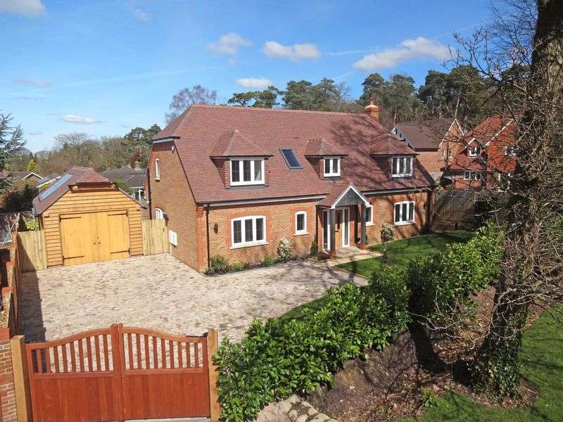 4 Bedrooms Property for sale in Old Portsmouth Road Bramshott Chase, Hindhead