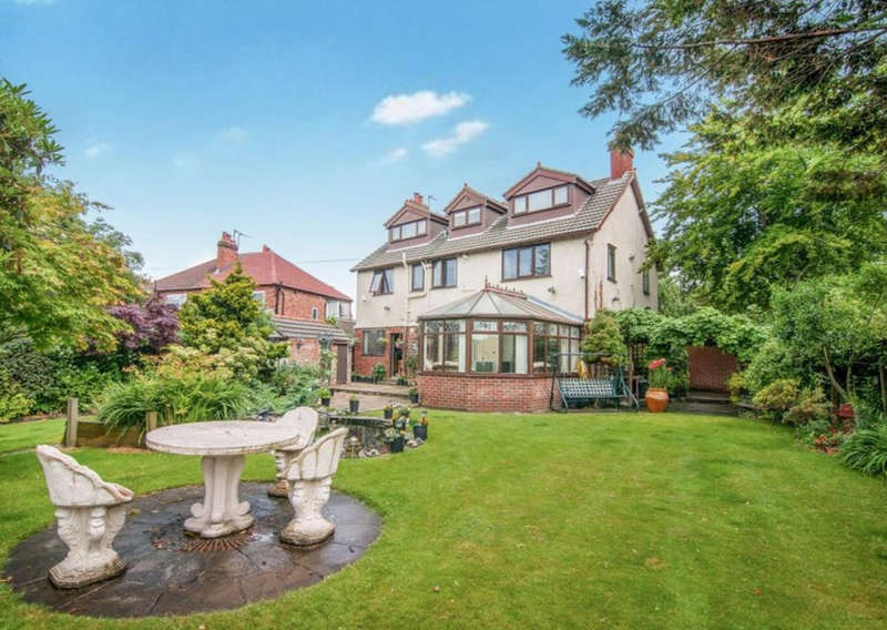 6 Bedrooms Detached House for sale in Little Crosby Road, Liverpool, L23