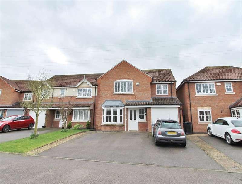 4 Bedrooms Detached House for sale in Ganton Way, Grantham