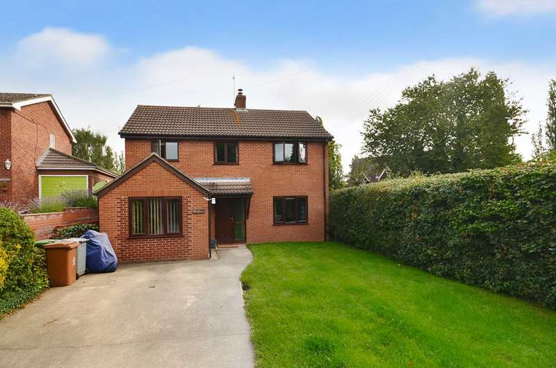 3 Bedrooms Detached House for sale in Middle Road, Great Plumstead