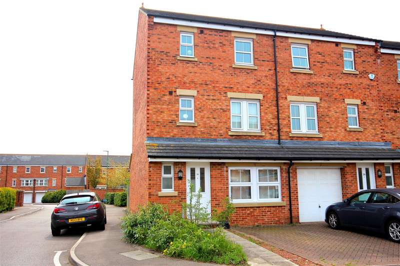 5 Bedrooms Town House for sale in Herons Court, Gilesgate, Durham
