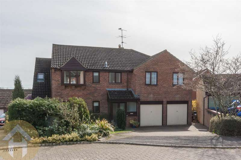 5 Bedrooms Detached House for sale in Home Ground, Royal Wootton Bassett