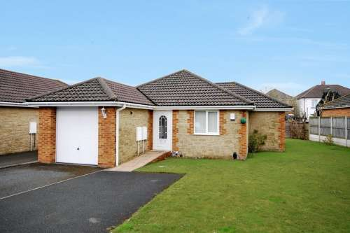 2 Bedrooms Bungalow for sale in Oak Gardens, Bournemouth