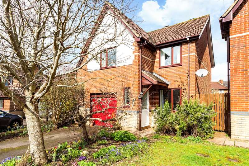 3 Bedrooms Detached House for sale in St. Davids Close, Bishopdown, Salisbury, Wiltshire, SP1