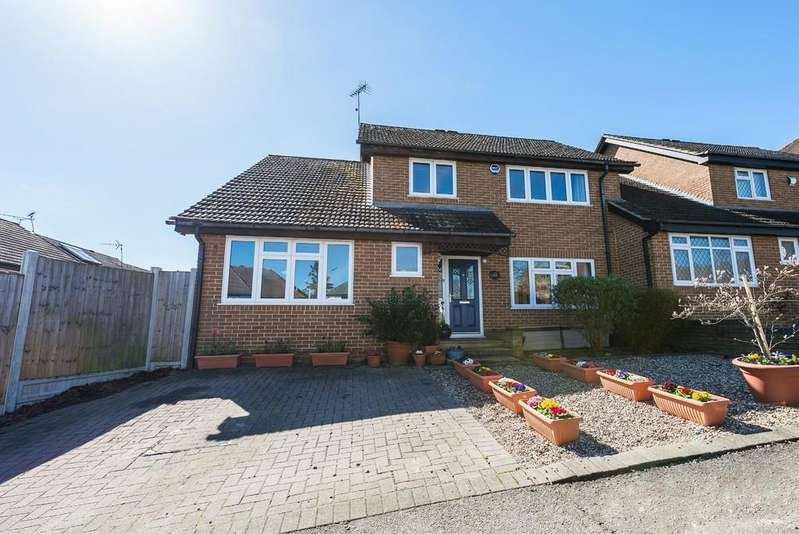 4 Bedrooms Semi Detached House for sale in Scotland Road, Buckhurst Hill