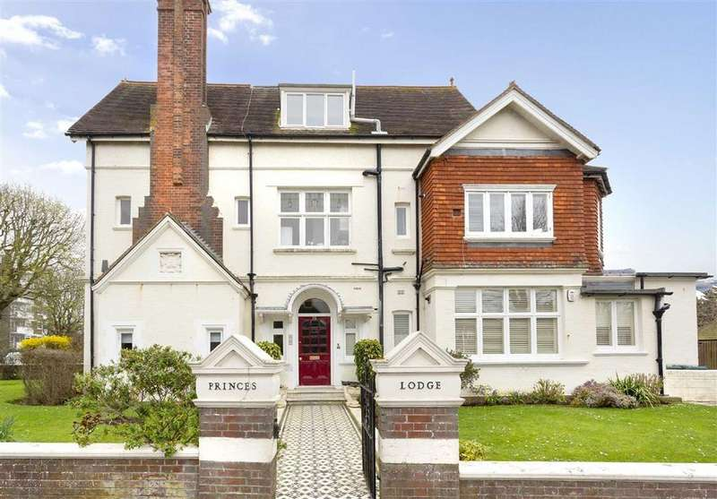 2 Bedrooms Flat for sale in Princes Square/New Church Road, Hove