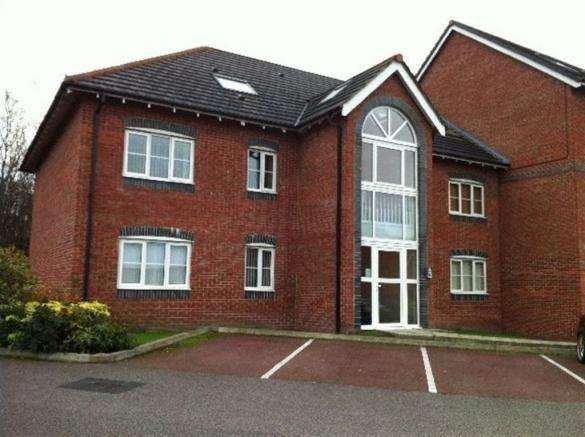 2 Bedrooms Apartment Flat for sale in 102 Delph Hollow Way