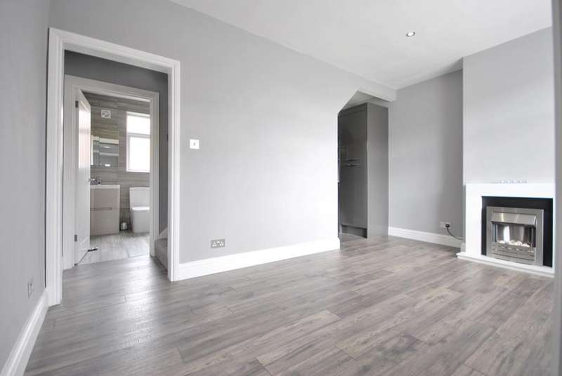 2 Bedrooms Terraced House for sale in Goudhurst Road Bromley BR1