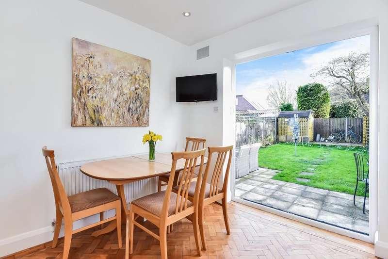2 Bedrooms Maisonette Flat for sale in Fulwood Gardens, Twickenham, TW1
