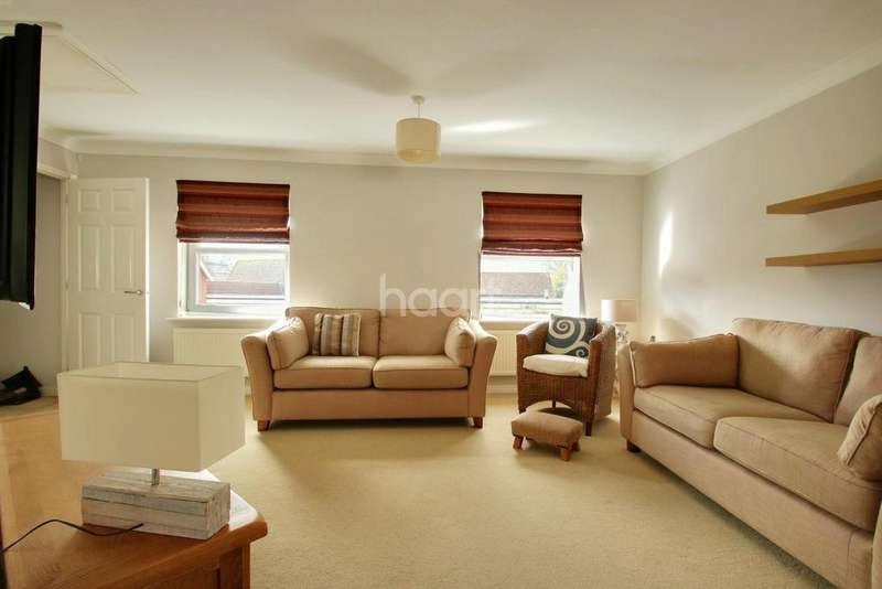 2 Bedrooms Terraced House for sale in Cricketers Green, Torquay