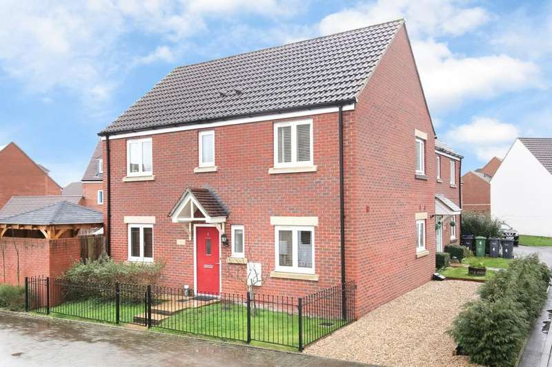 4 Bedrooms Semi Detached House for sale in Southdown Way, Warminster