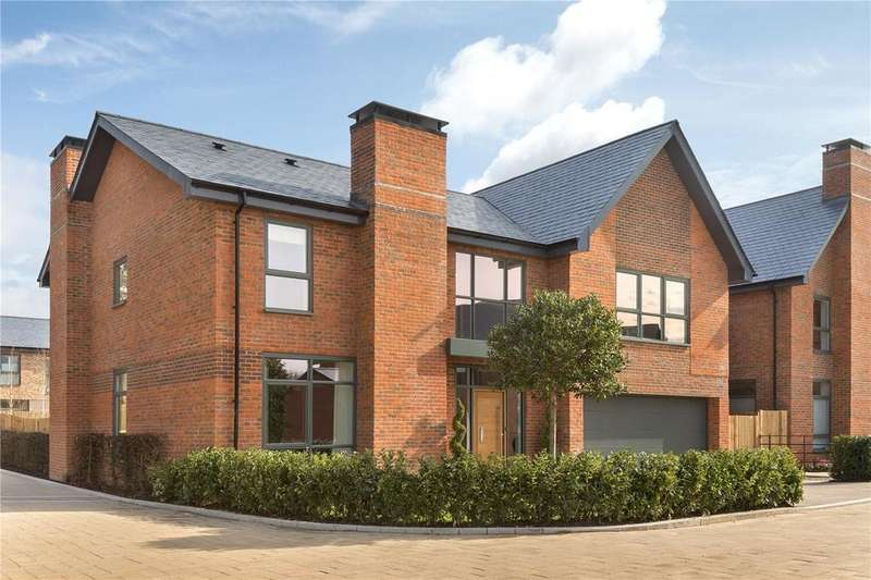 5 Bedrooms Detached House for sale in The Thompson, Upper Longcross, KT16