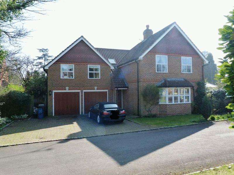 4 Bedrooms Detached House for sale in BADGERS WALK, PURLEY