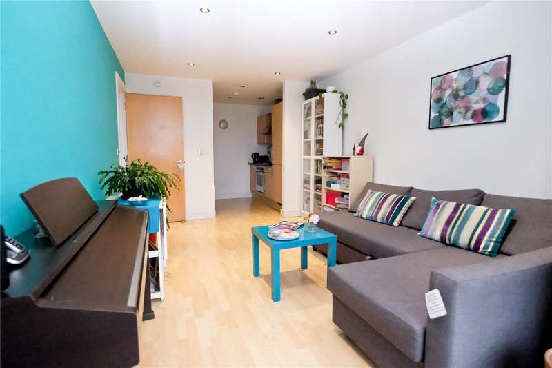 1 Bedroom Flat for sale in Cromwell Court, 10 Bowman Lane, Leeds, West Yorkshire, LS10
