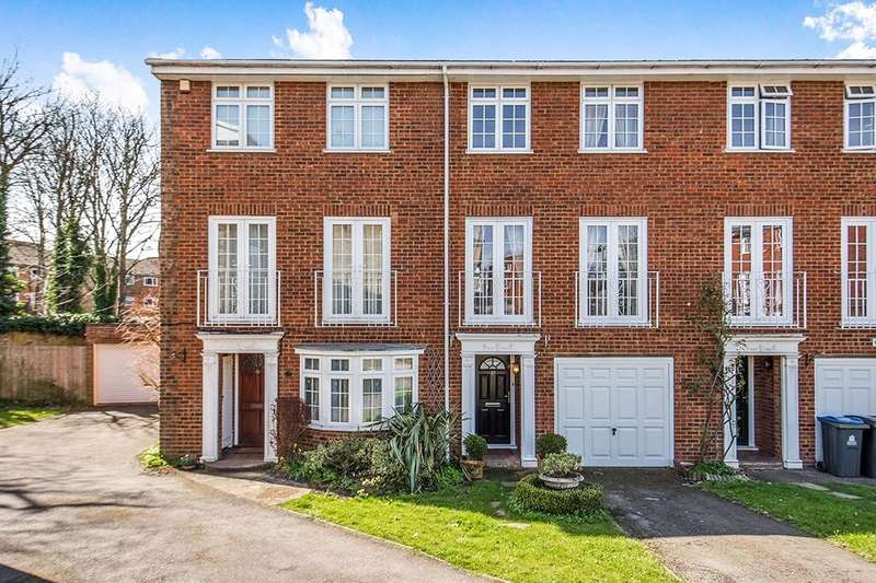 3 Bedrooms Property for sale in Selsdon Close, Surbiton, KT6
