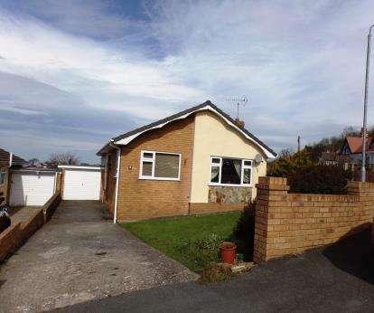 3 Bedrooms Bungalow for sale in Rhodfa Sian, Dyserth, Rhyl, Denbighshire, LL18