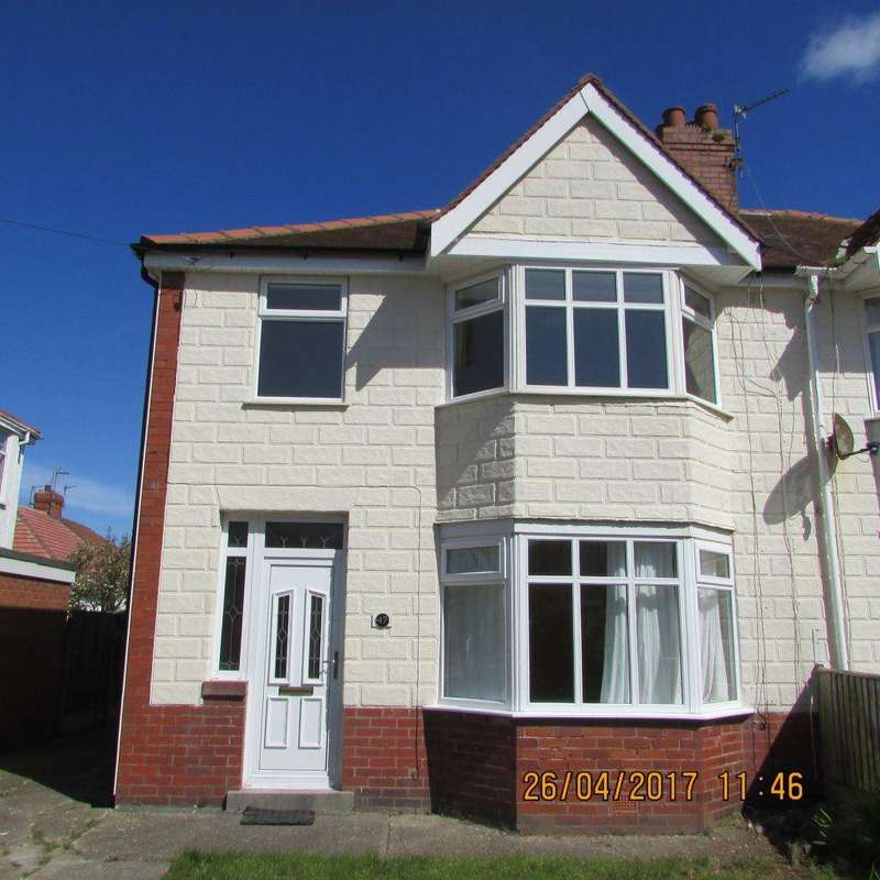 3 Bedrooms Semi Detached House for rent in Leicester Avenue, Lancashire