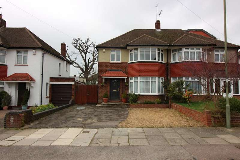 3 Bedrooms Semi Detached House for sale in Summit Way, Southgate N14