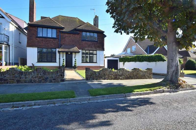 4 Bedrooms Detached House for sale in Frinton-on-Sea