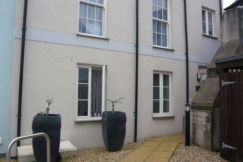 1 Bedroom Apartment Flat for sale in Crockwell Street, Bodmin