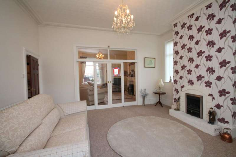 3 Bedrooms Terraced House for sale in Manchester Road, Heywood