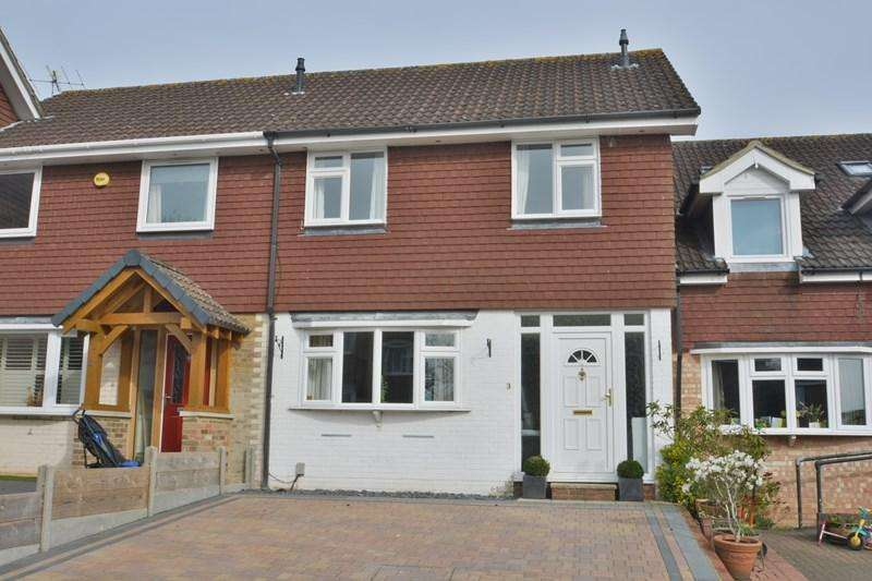 3 Bedrooms Terraced House for sale in Ethelbert Drive, Charlton, Andover