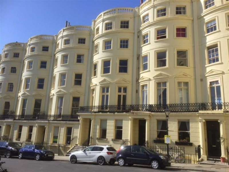 2 Bedrooms Apartment Flat for sale in Brunswick Square, Hove, East Sussex