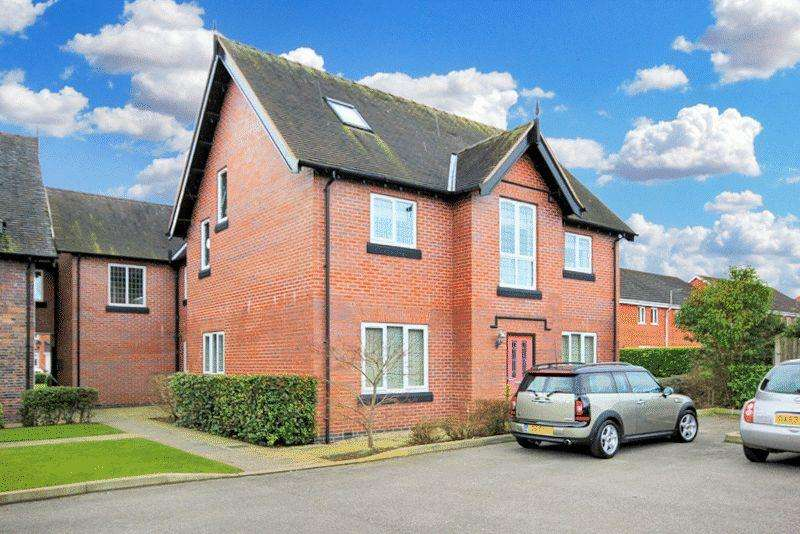 3 Bedrooms Apartment Flat for sale in Manor Farm Drive, Tittensor