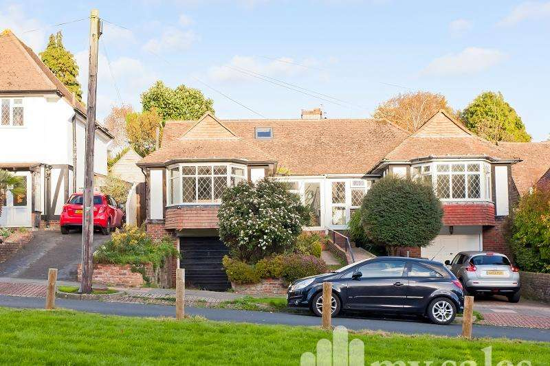 2 Bedrooms Semi Detached House for sale in Barn Rise, Brighton, BN1