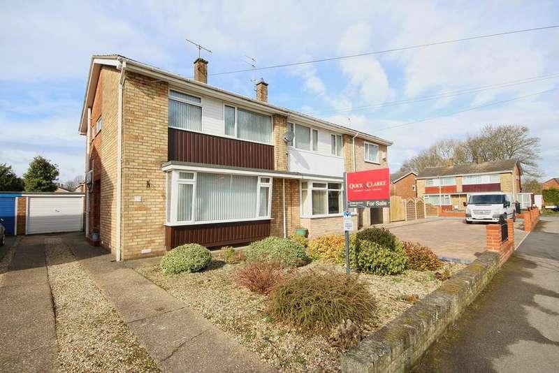 3 Bedrooms Semi Detached House for sale in Park Lane, Cottingham, HU16