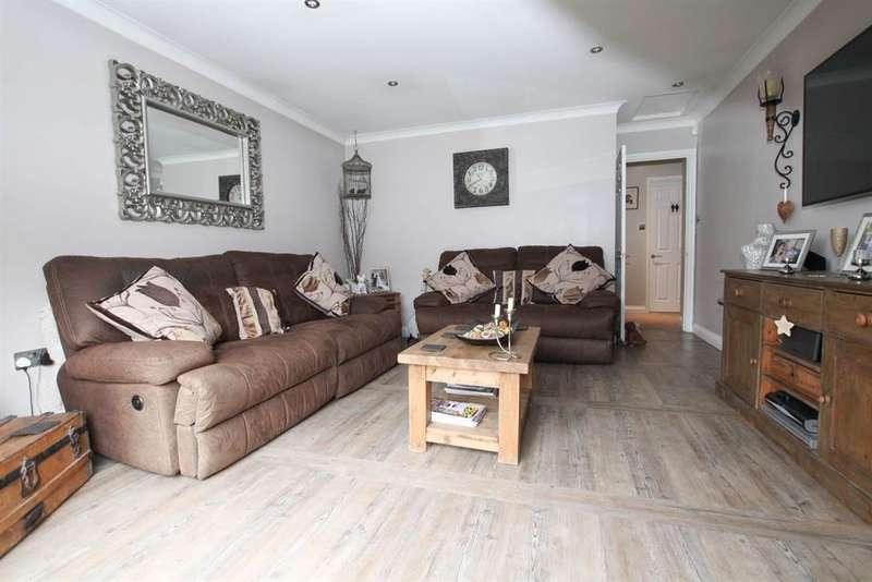 3 Bedrooms Bungalow for sale in Manor Road, Cheddington, Leighton Buzzard, LU7